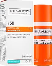 Parfums et Produits cosmétiques Fluide solaire à l'extrait de curcuma pour visage - Bella Aurora Sunscreen Gel Oily Skin SPF50+