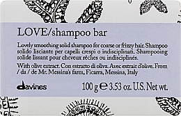 Parfums et Produits cosmétiques Shampooing solide à l'extrait d'olive - Davines Essential Haircare Love Smooth Shampoo Bar