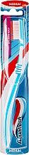 Parfums et Produits cosmétiques Brosse à dents, médium, bleu - Aquafresh Between Teeth Medium
