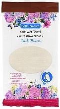 Parfums et Produits cosmétiques Lingette humide à l'Arôme floral - Belle Nature Soft Wet Towel