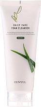 Parfums et Produits cosmétiques Mousse nettoyante à l'aloe vera pour visage - Eunyul Daily Care Aloe Foam Cleanser