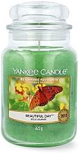 Parfums et Produits cosmétiques Bougie parfumée en jarre, Belle journée - Yankee Candle Beautiful Day Scented Candle Large Jar