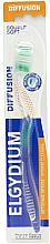 Parfums et Produits cosmétiques Brosse à dents, souple, verte - Elgydium Diffusion Soft Toothbrush