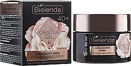 Parfums et Produits cosmétiques Crème de jour et nuit à l'huile de camélia et acide hyaluronique - Bielenda Camellia Oil Luxurious Anti-Wrinkle Cream 40+