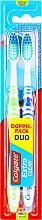 Parfums et Produits cosmétiques Colgate Expert Cleaning Medium Toothbrush - Lot de deux brosses à dents, médium, vert et bleu