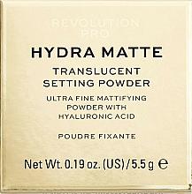 Parfums et Produits cosmétiques Poudre libre matifiante et fixante à l'acide hyaluronique pour visage - Makeup Revolution Pro Hydra Matte Translucent Setting Powder