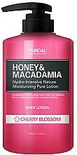 """Parfums et Produits cosmétiques Lotion corporelle hydratante """"Fleur de cerisier"""" - Kundal Honey & Macadamia Body Lotion Cherry Blossom"""