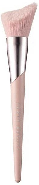 Pinceau biseauté pour enlumineur, 190 - Fenty Beauty Brush 190 — Photo N1