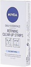 Parfums et Produits cosmétiques Patchs purifiants doux à l'acide citrique pour nez, menton et front - Nivea Visage Clear Up Strips