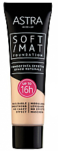 Parfums et Produits cosmétiques Fond de teint matifiant à la vitamine A et E - Astra Soft Mat Foundation