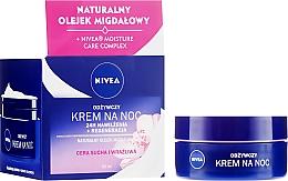 Parfums et Produits cosmétiques Crème de nuit à l'huile d'amande douce - Nivea 24H Moisturizing Regeneration & Nourishing Night Cream