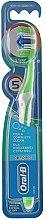 Parfums et Produits cosmétiques Brosse à dents, 40 medium, blanc-vert - Oral-B Complete 5 Ways Clean 40 Medium