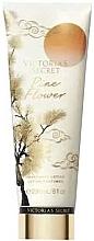 Parfums et Produits cosmétiques Lotion parfumée pour corps - Victoria's Secret Pine Flower Body Lotion