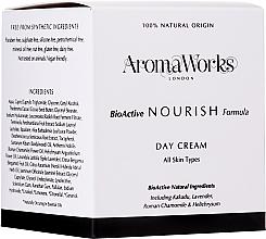 Parfums et Produits cosmétiques Crème de jour à l'extrait de prune de Kakadu - AromaWorks Nourish Day Cream
