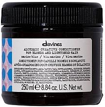 Parfums et Produits cosmétiques Après-shampooing à l'huile de graines de jojoba (bleu marine) - Davines Alchemic Conditioner Marine Blue
