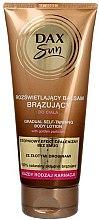 Parfums et Produits cosmétiques Lotion autobronzante pour le corps - DAX Sun Gradual Self-taninng Body Lotion