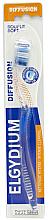 Parfums et Produits cosmétiques Brosse à dents, souple, bleue - Elgydium Diffusion Soft Toothbrush