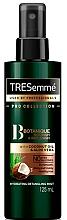 Parfums et Produits cosmétiques Brume démêlante à l'huile de noix de coco pour cheveux - Tresemme Botanique Nourish & Replenish Hydrating Detangling Mist