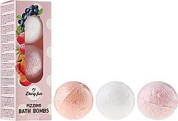 Parfums et Produits cosmétiques Bombes de bain pétillantes à la myrtille, fraise et pêche - Delia Dairy Fun Milky Bath Balls
