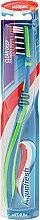 Parfums et Produits cosmétiques Brosse à dents medium, bleu-vert - Aquafresh Clean Deep Medium