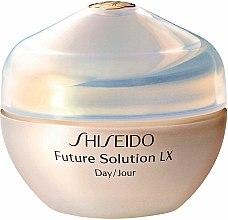 Parfums et Produits cosmétiques Crème de jour protectrice à l'extrait de Sansho pour visage - Shiseido Future Solution LX Daytime Protective Cream SPF15