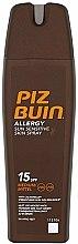 Parfums et Produits cosmétiques Spray solaire à la camomille pour peaux sensibles - Piz Buin Allergy Sun Sensitive Skin Spray SPF15