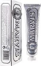 Parfums et Produits cosmétiques Dentifrice blanchissant au xylitol et menthe - Marvis Whitening Mint + Xylitol