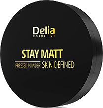 Parfums et Produits cosmétiques Poudre compacte matifiante pour visage - Delia Stay Matt Skin Defined Pressed Powder