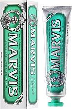 Parfums et Produits cosmétiques Dentifrice au xylitol goût menthe - Marvis Classic Strong Mint + Xylitol