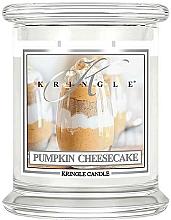 Parfums et Produits cosmétiques Bougie parfumée en jarre, Cheesecake à la citrouille - Kringle Candle Pumpkin Cheesecake