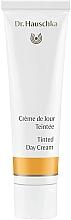 Parfums et Produits cosmétiques Crème de jour teintée à la rose - Dr. Hauschka Tinted Day Cream