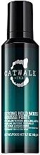 Parfums et Produits cosmétiques Mousse fixation forte, longue tenue - Tigi Catwalk Strong Hold Mousse