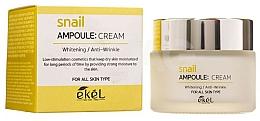 Parfums et Produits cosmétiques Crème éclaircissante à l'extrait de bave d'escargot pour visage - Ekel Snail Ampoule Whitening Anti-Wrinkle Cream
